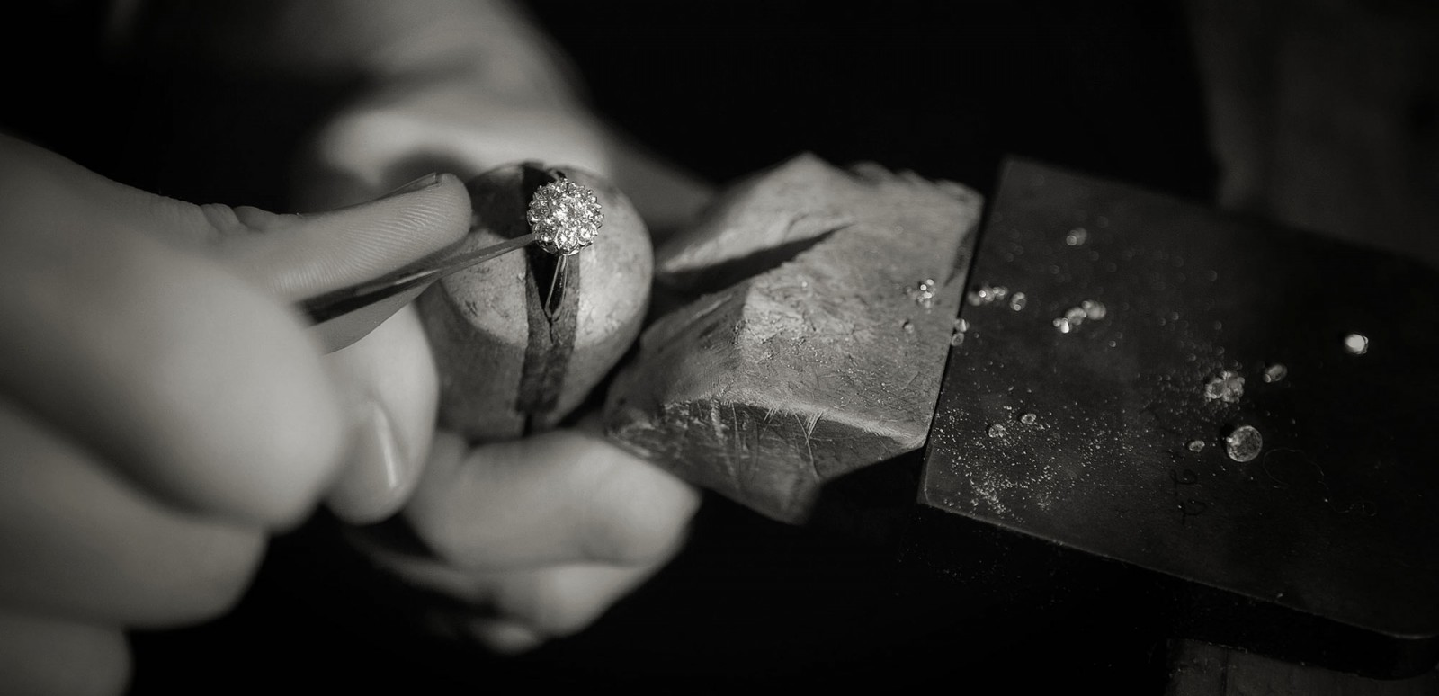 Hand made jewellery designer Julian Bartrom, working on custom made jewellery and custom engagement rings