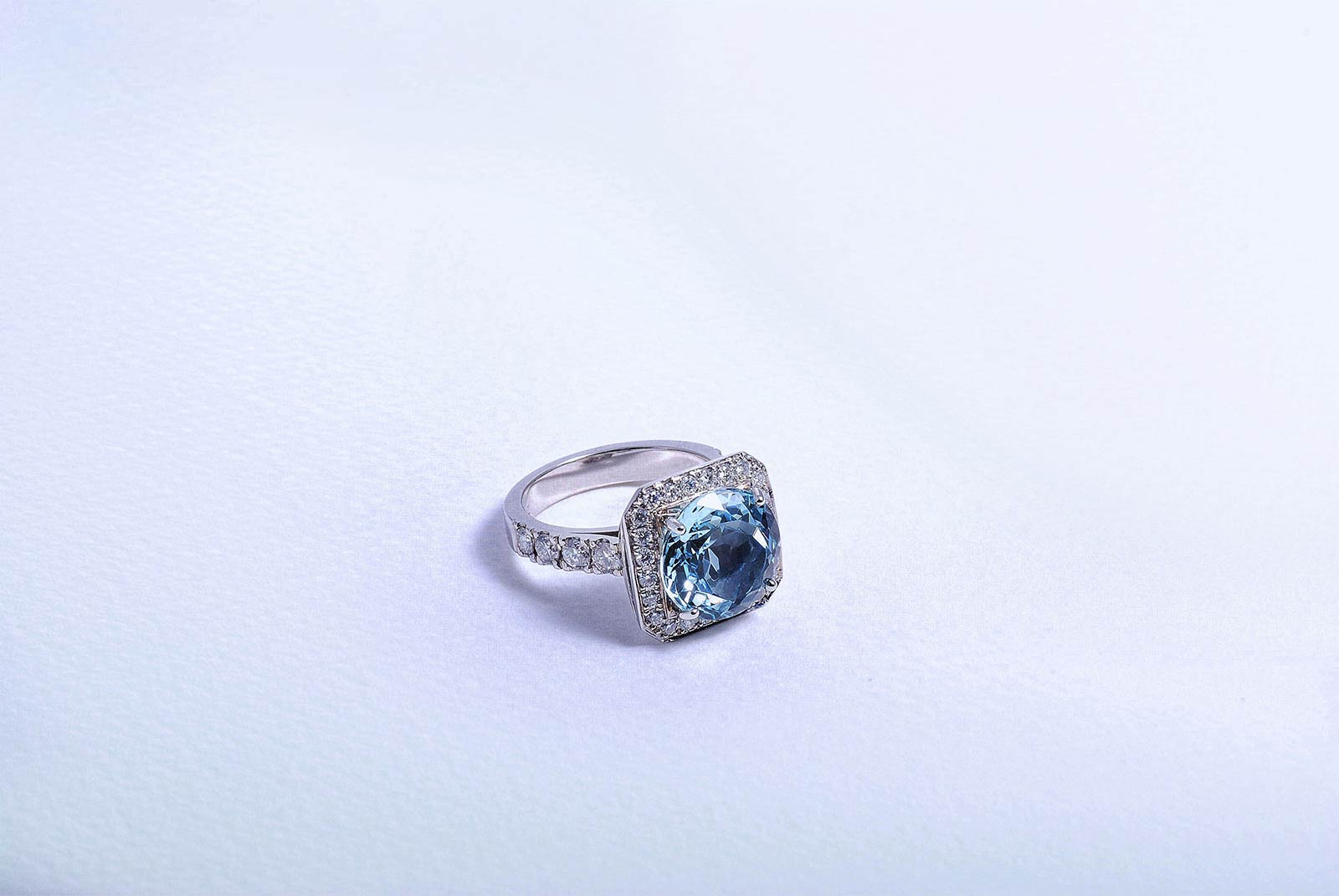Custom made fine jewellery and diamond and gemstone engagement rings by Auckland jewellery designer Julian Bartrom