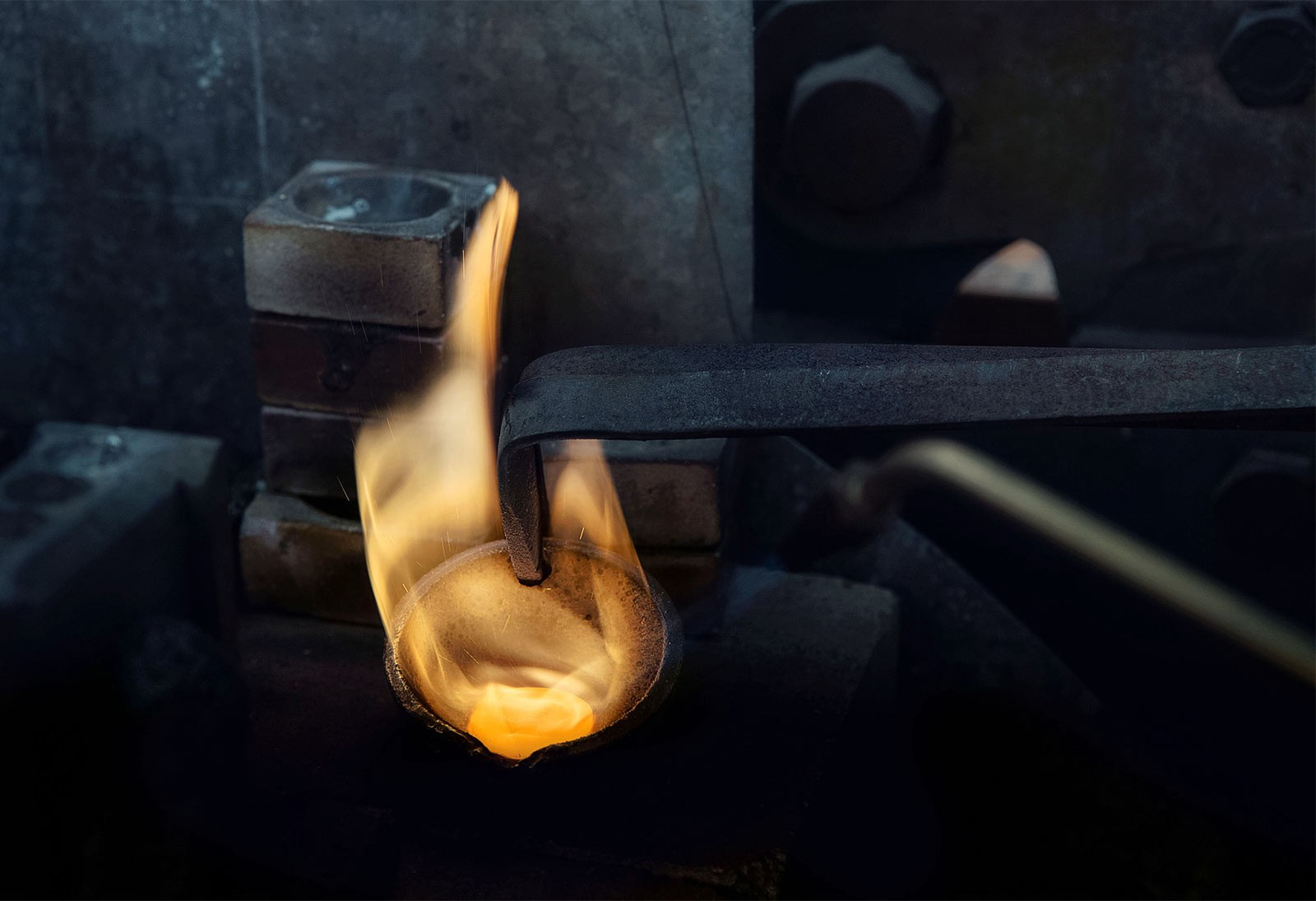 4. Melting the metal. Hand made jewellery manufacturing in the jewellery workshop of Julian Bartrom