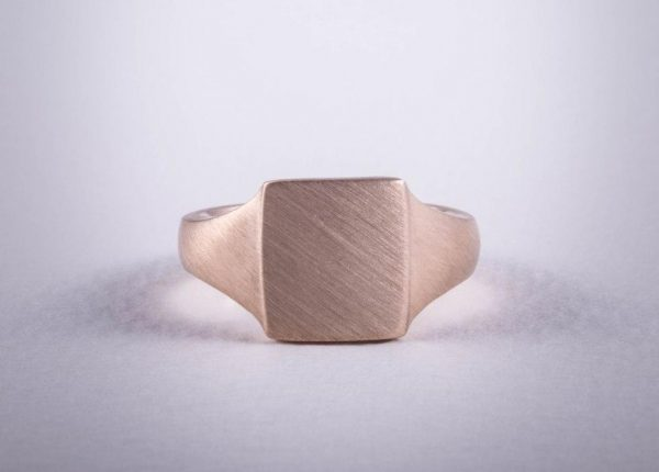 Men's rose gold signet ring with a brushed finish by Auckland jewellery designer Julian Bartrom Jewellery.