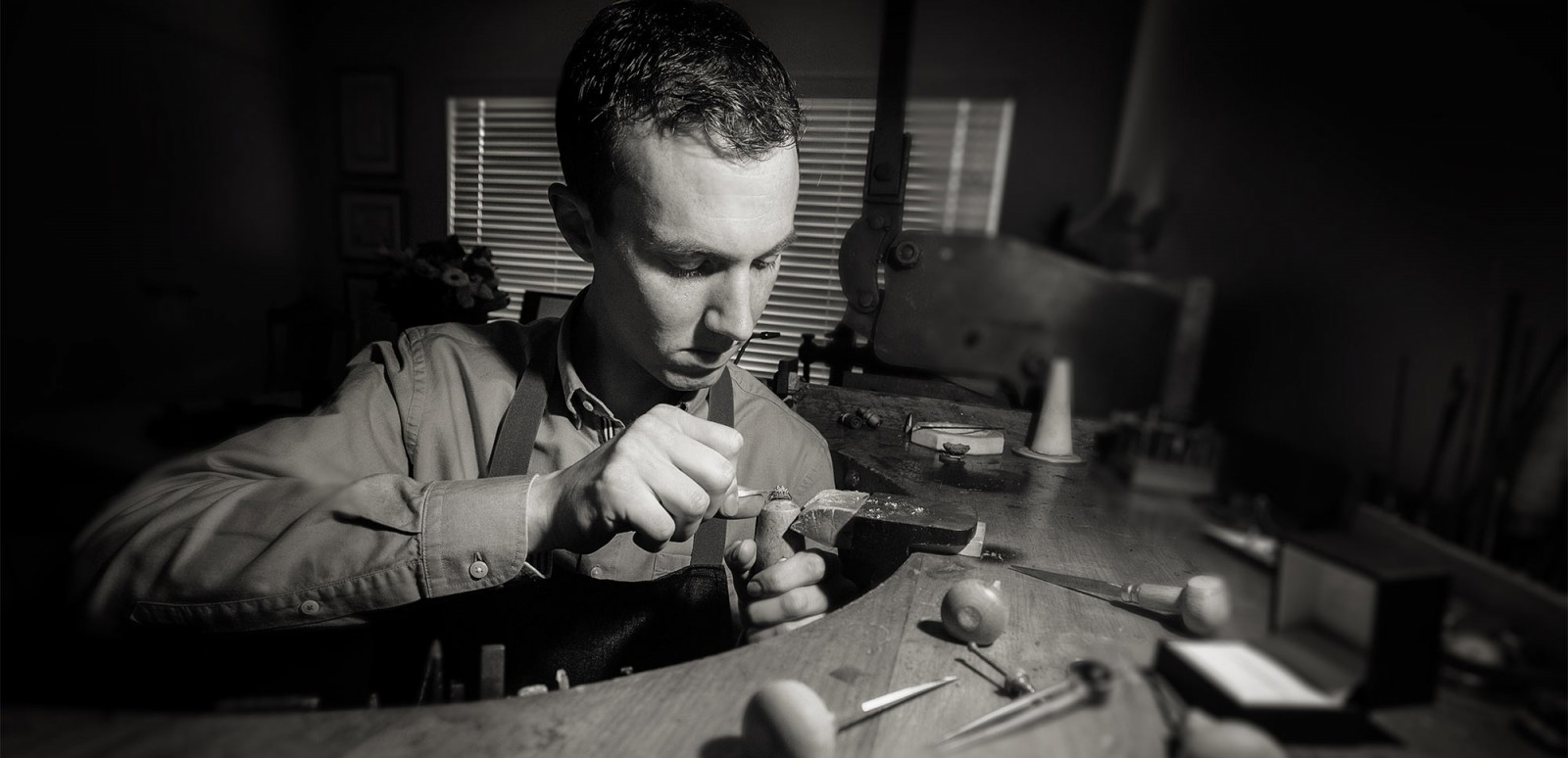 Auckand jewellery designer Julian Bartrom, working on custom made jewellery and custom engagement ring design