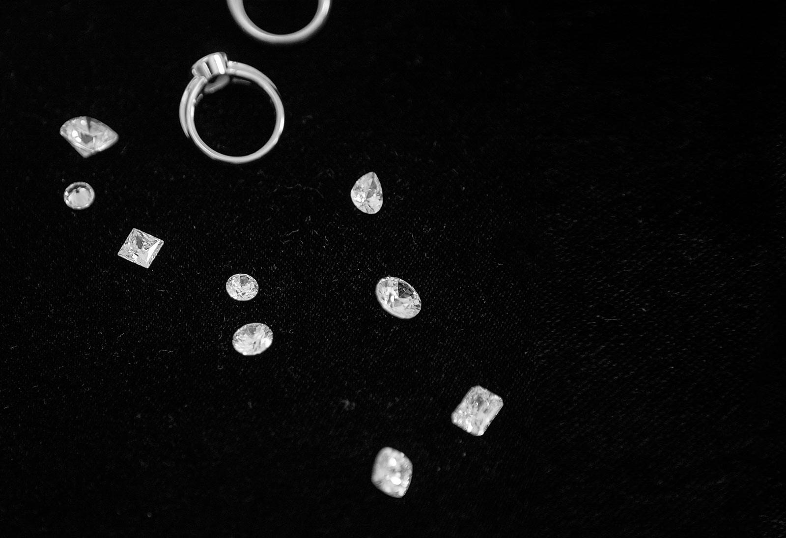 1. Explore the options. Explore custom jewellery designs ideas, with fine jewellery designer and diamond expert.