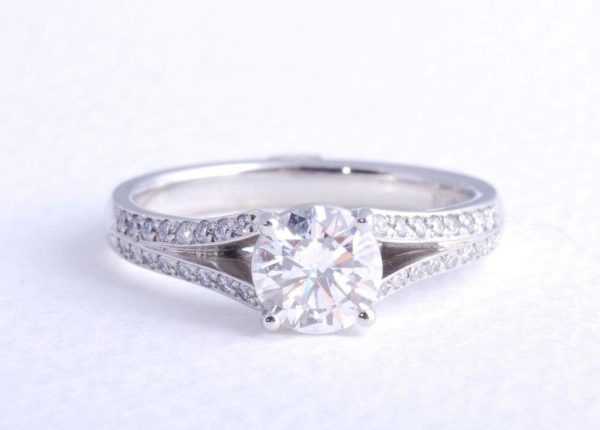 Brilliant cut 1ct diamond engagement ring in platinum by award-winning diamond expert Julian Bartrom Jewellery.