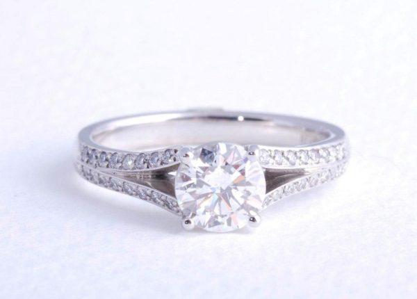 Brilliant cut 1ct diamond engagement ring in platinum by award-winning diamond expert Julian Bartrom Jewellery.