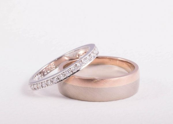 Rose gold and platinum diamond wedding ring set designed and made by award-winning Auckland jewellery designer Julian Bartrom Jewellery.