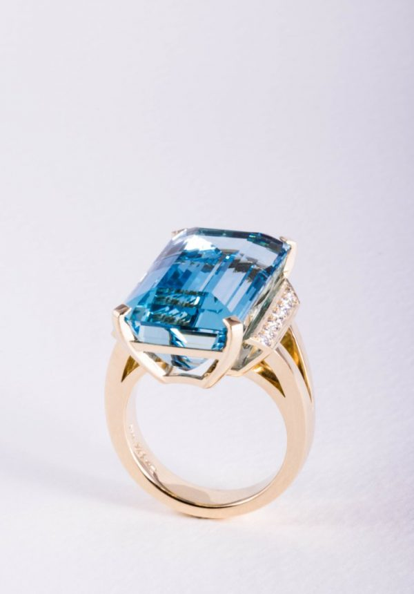 25ct Aquamarine and diamond ring in 18ct yellow gold by Auckland jewellery designer Julian Bartrom Jewellery.
