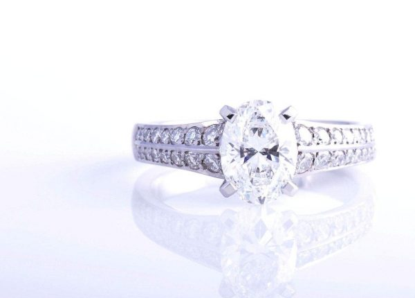 An oval cut diamond ring in platinum by diamond expert Julian Bartrom from Julian Bartrom Jewellery.